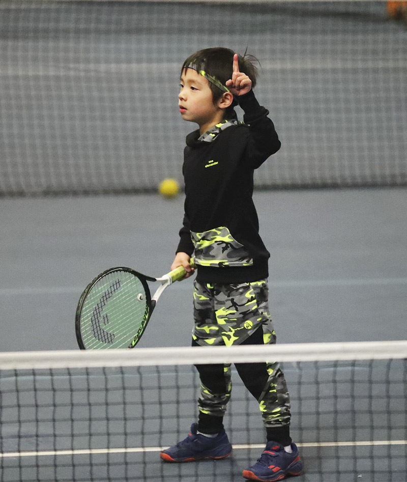 Boys_Tennis_Long_Pants_Neon_Camo_03