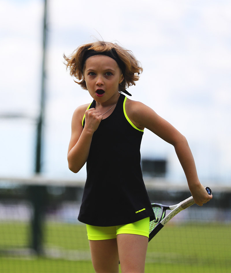 Girls_Tennis_Shorts_Performance_Neon